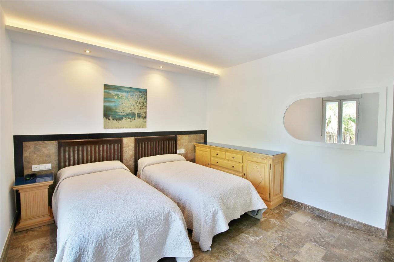 Elegant Apartment for rent Puerto Banus Marbella Spain (12) (Large)