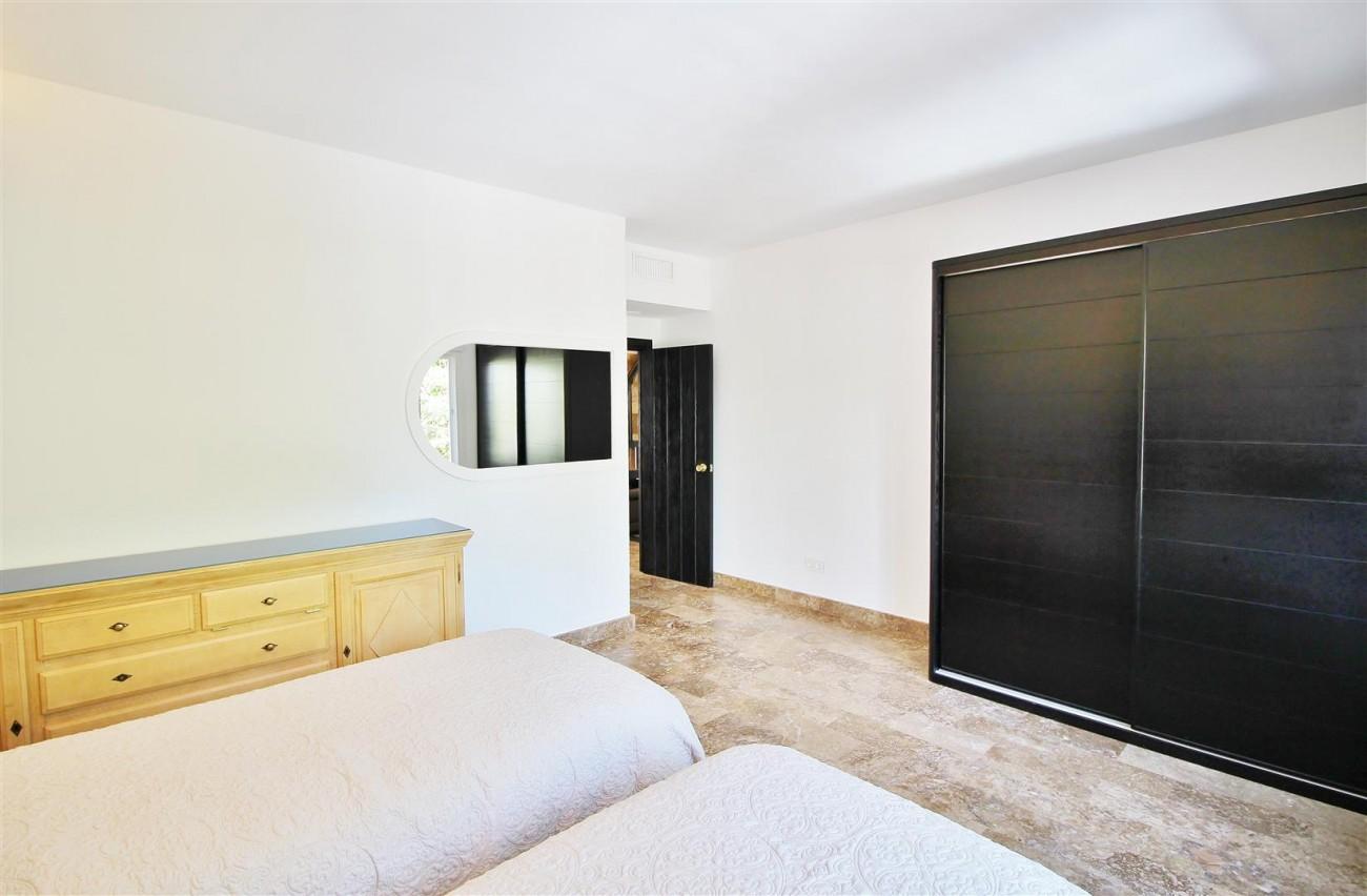 Elegant Apartment for rent Puerto Banus Marbella Spain (15) (Large)