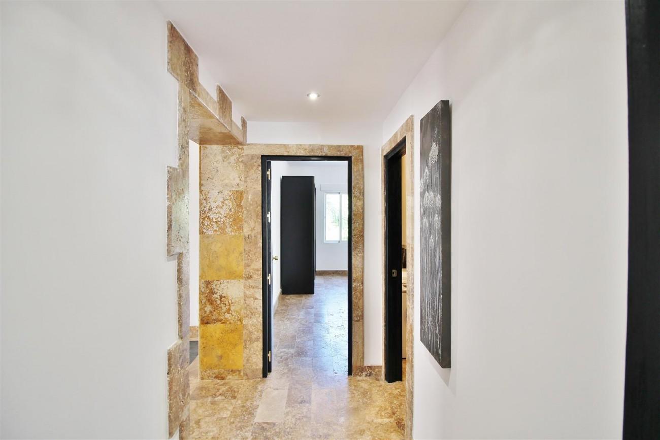 Elegant Apartment for rent Puerto Banus Marbella Spain (17) (Large)
