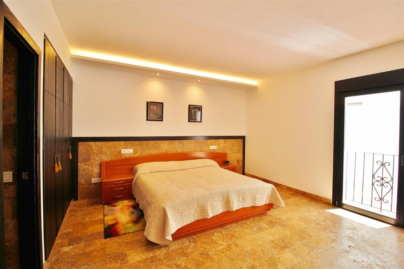 Elegant Apartment for rent Puerto Banus Marbella Spain (18) (Large)