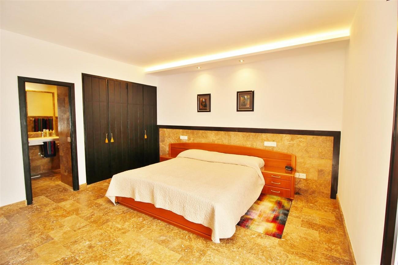 Elegant Apartment for rent Puerto Banus Marbella Spain (20) (Large)