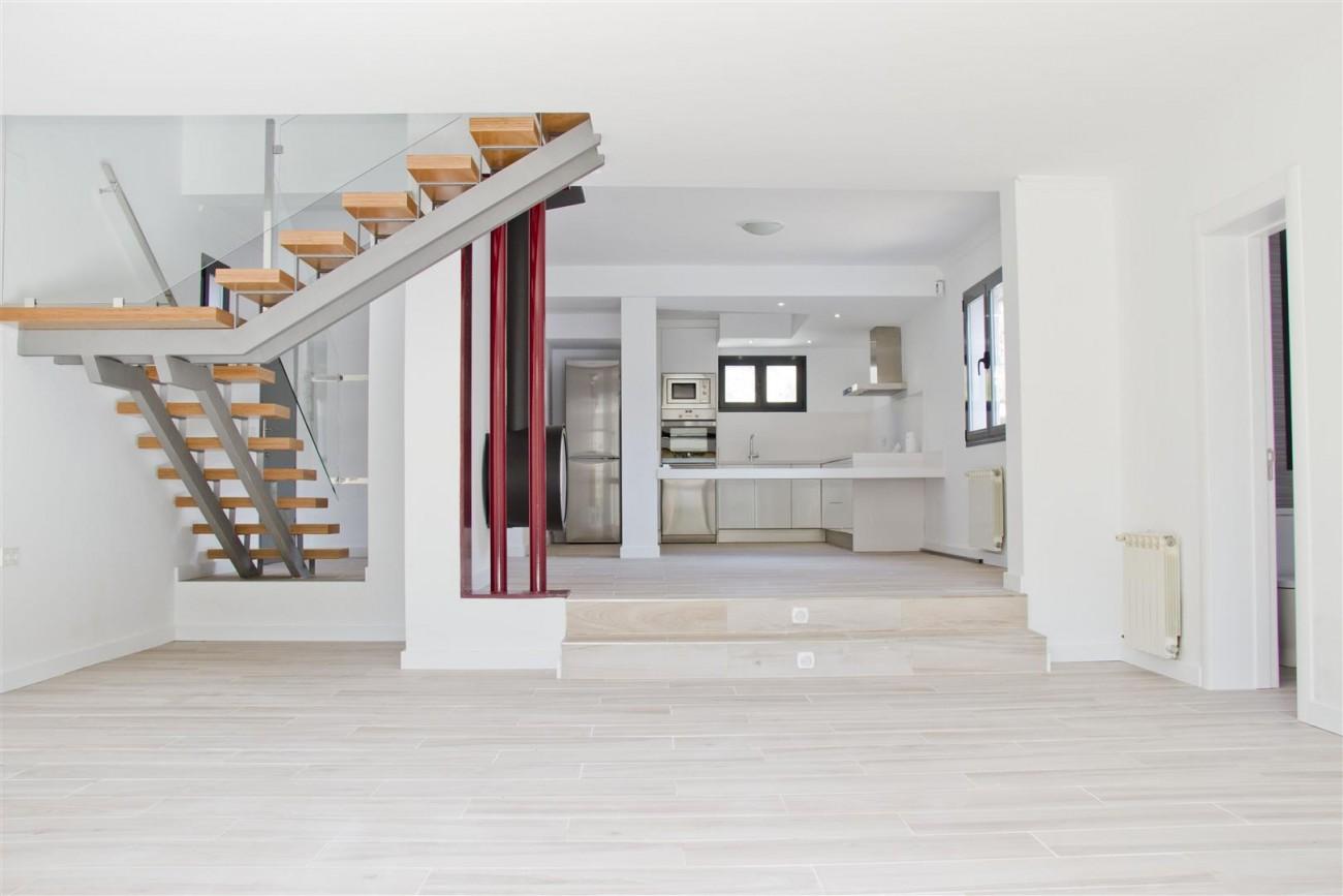 Modern Villa for sale Close to Puerto Banus Marbella Spain (1) (Large)
