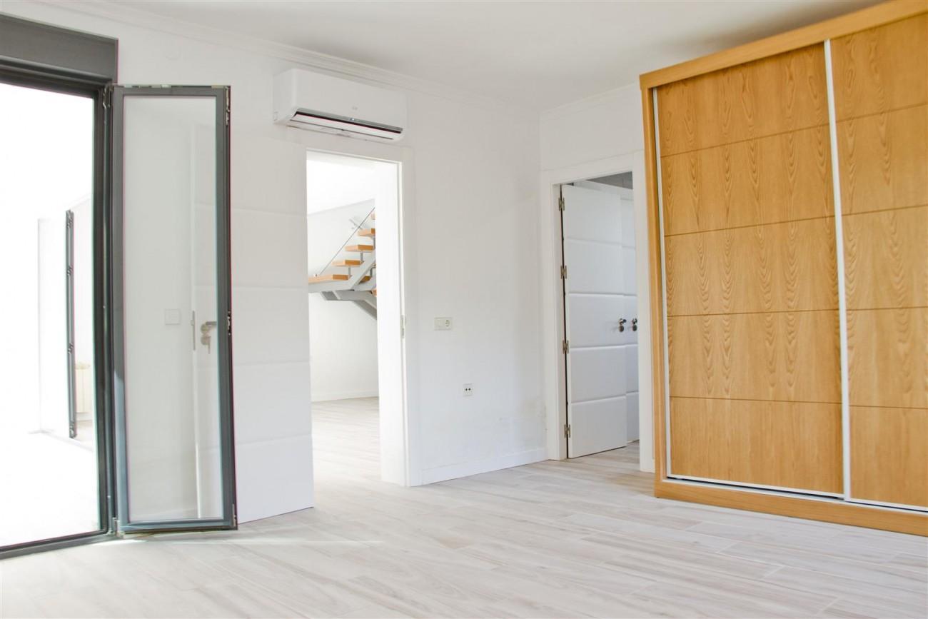 Modern Villa for sale Close to Puerto Banus Marbella Spain (6) (Large)