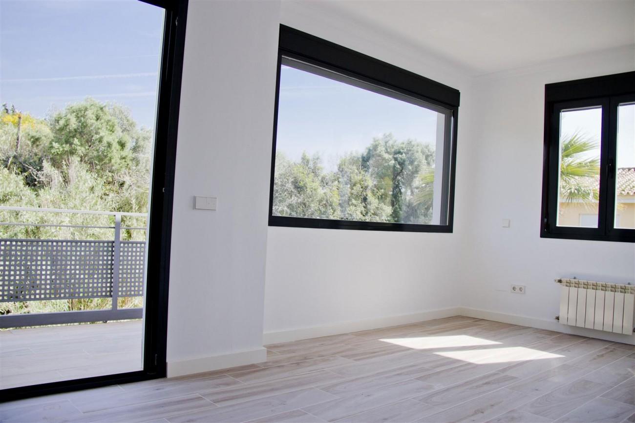 Modern Villa for sale Close to Puerto Banus Marbella Spain (7) (Large)