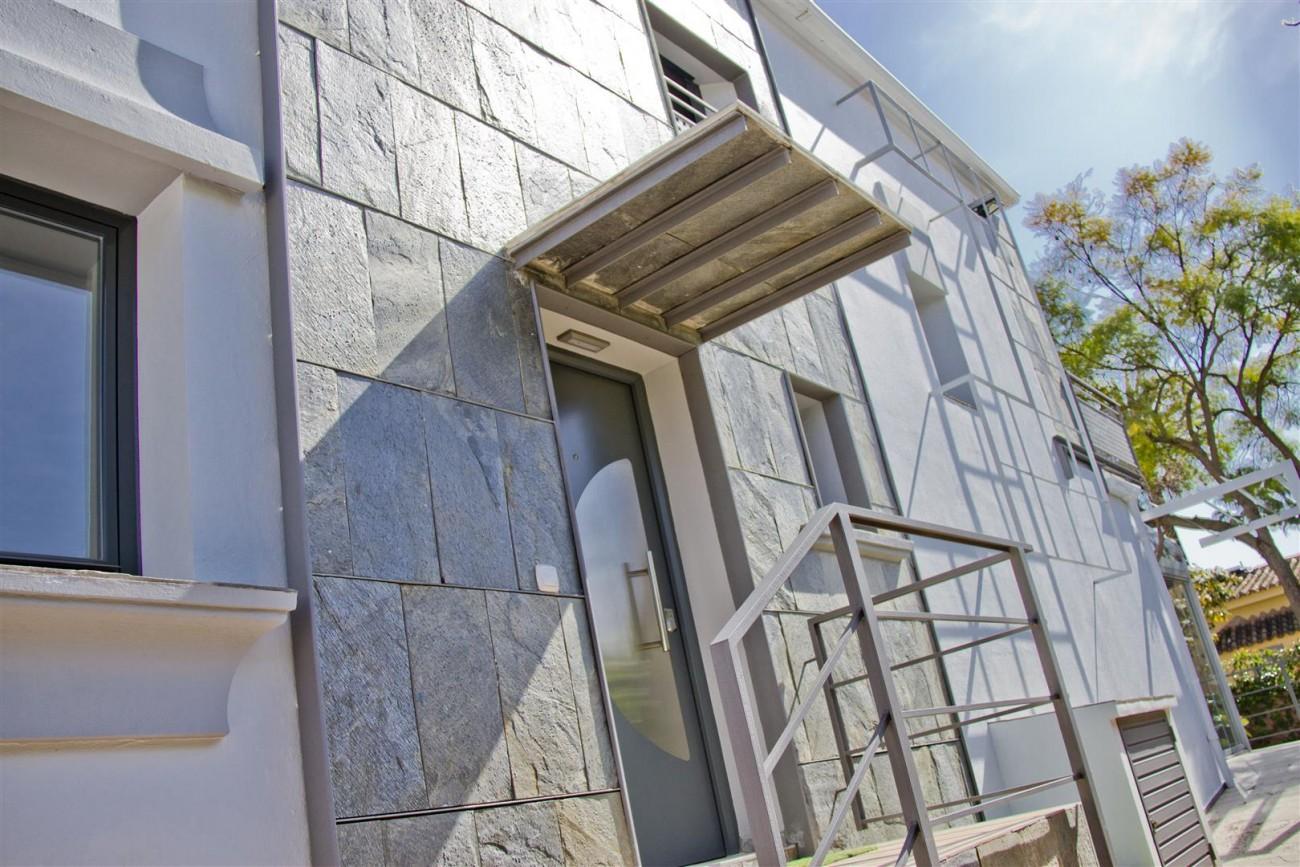 Modern Villa for sale Close to Puerto Banus Marbella Spain (11) (Large)