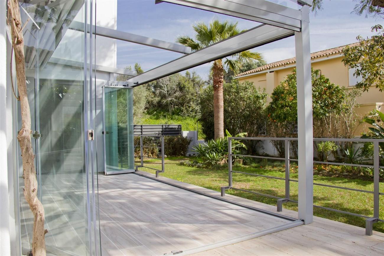 Modern Villa for sale Close to Puerto Banus Marbella Spain (15) (Large)