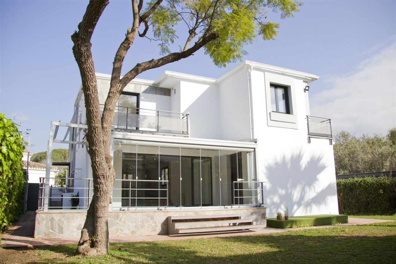 Modern Villa for sale Close to Puerto Banus Marbella Spain (18) (Large)