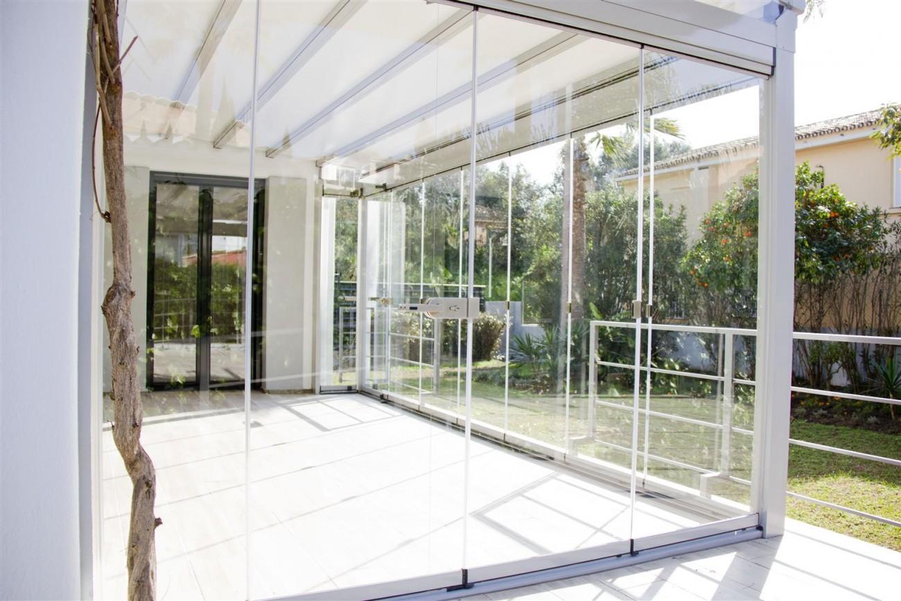 Modern Villa for sale Close to Puerto Banus Marbella Spain (23) (Large)