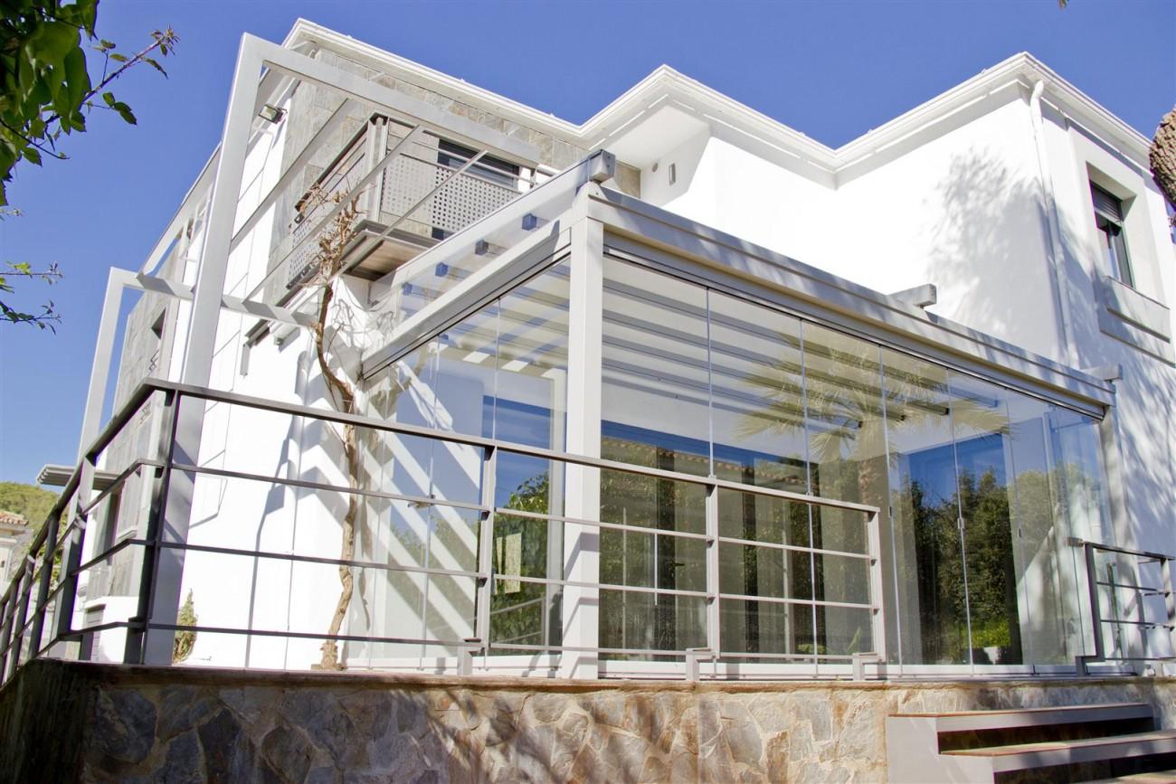 Modern Villa for sale Close to Puerto Banus Marbella Spain (24) (Large)