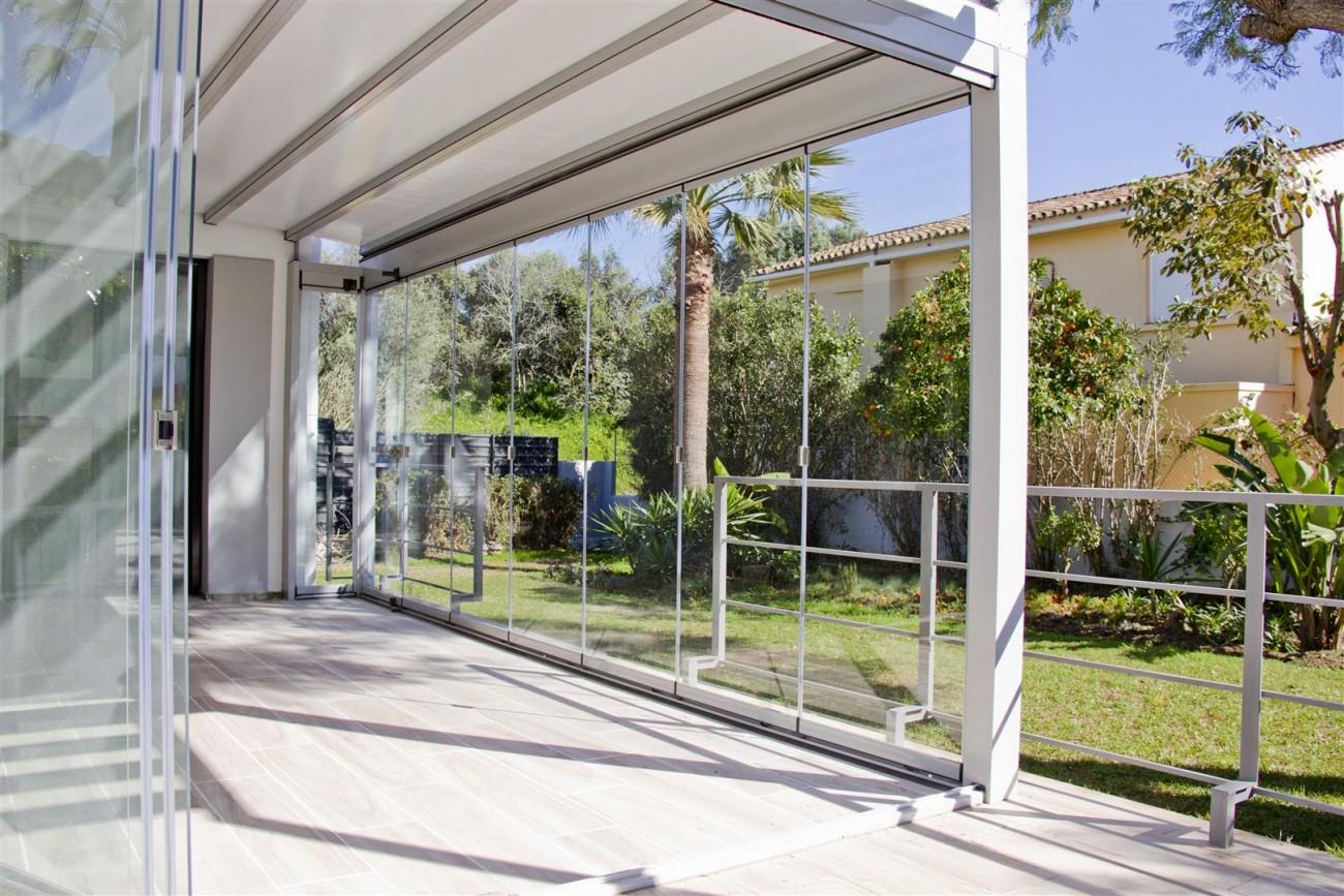 Modern Villa for sale Close to Puerto Banus Marbella Spain (25) (Large)