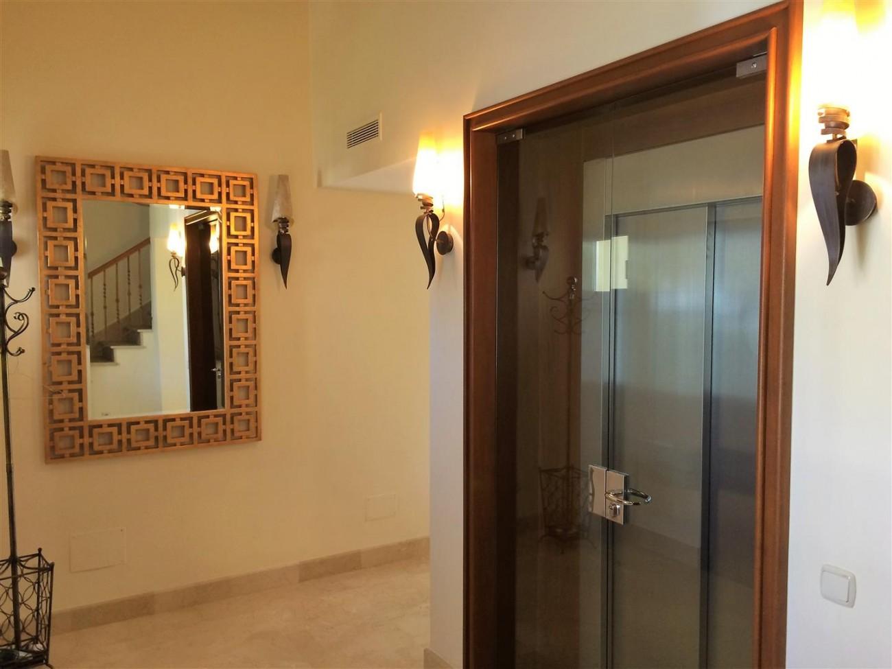 Penthouse for sale Las Alamandas Nueva Andalucia Marbella Spain (12) (Large)