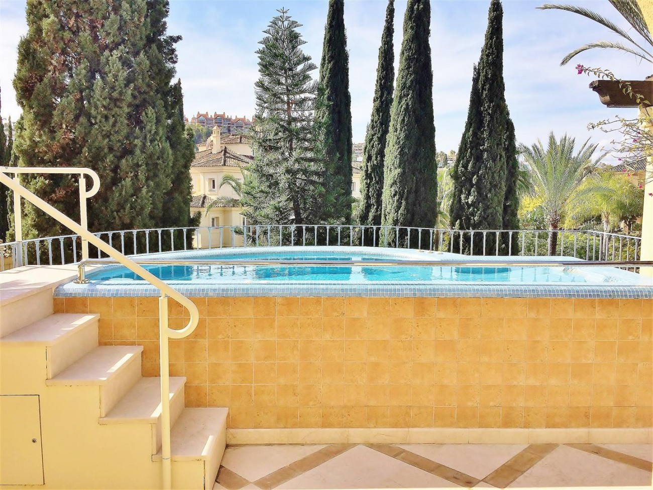 Penthouse for sale Las Alamandas Nueva Andalucia Marbella Spain (15) (Large)