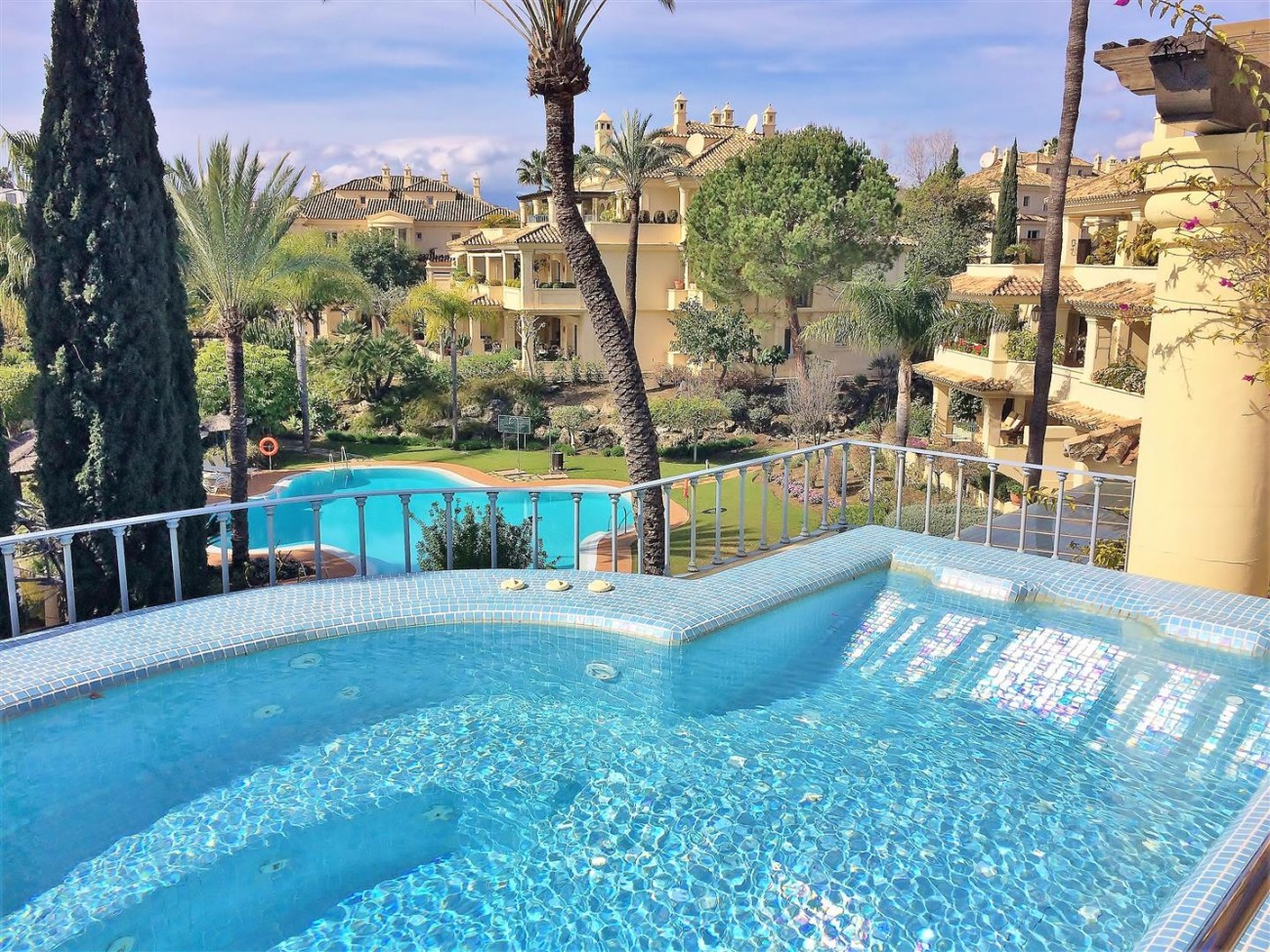 Penthouse for sale Las Alamandas Nueva Andalucia Marbella Spain (20) (Large)