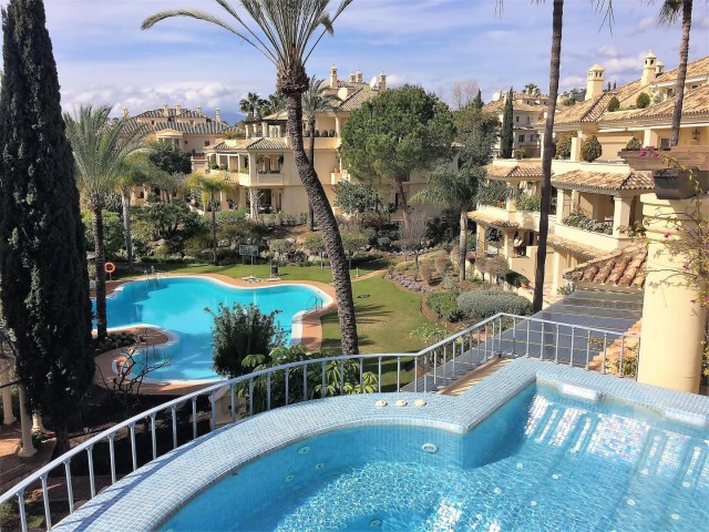 Penthouse for Sale - 2.500.000€ - Nueva Andalucía, Costa del Sol - Ref: 5766