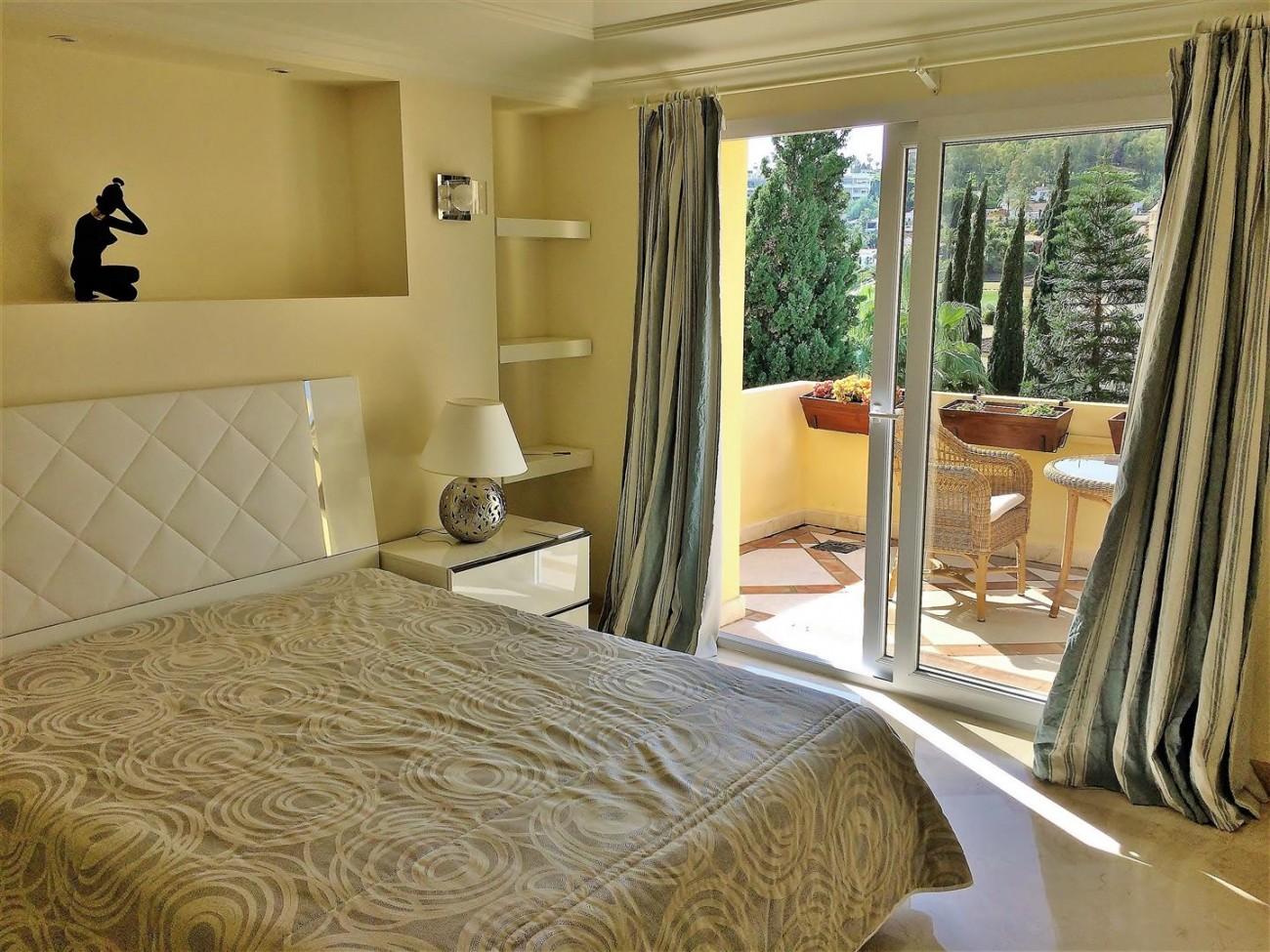 Penthouse for sale Las Alamandas Nueva Andalucia Marbella Spain (33) (Large)