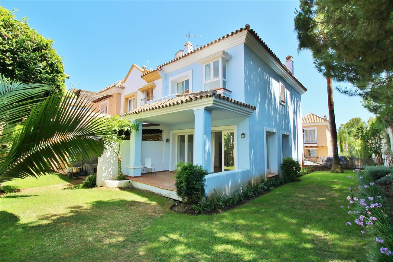 Townhouse for sale Nueva Andalucia Marbella Spain (23) (Large)