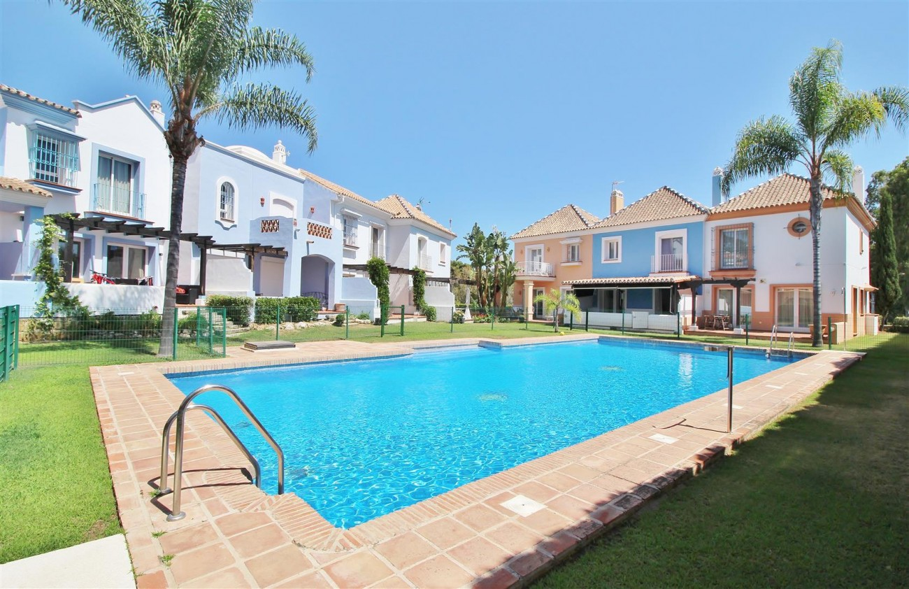 Townhouse for sale Nueva Andalucia Marbella Spain (27) (Large)
