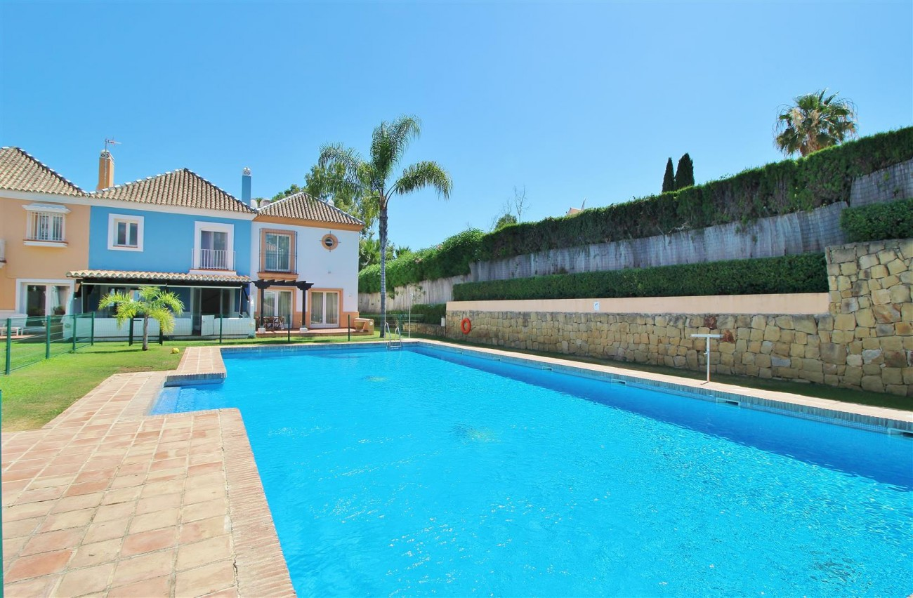 Townhouse for sale Nueva Andalucia Marbella Spain (28) (Large)