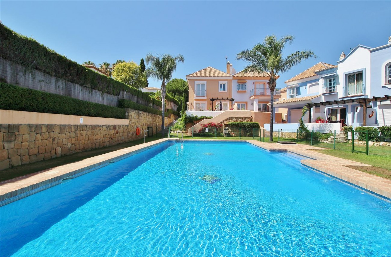Townhouse for sale Nueva Andalucia Marbella Spain (29) (Large)