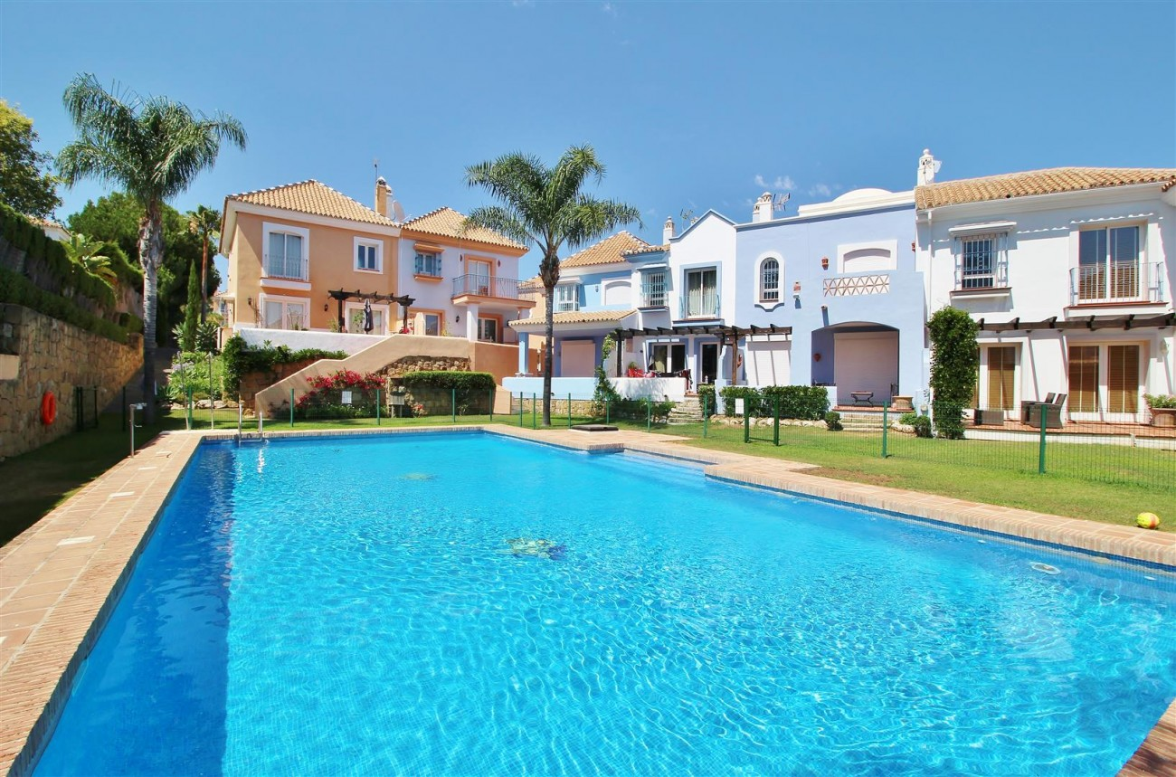 Townhouse for sale Nueva Andalucia Marbella Spain (30) (Large)
