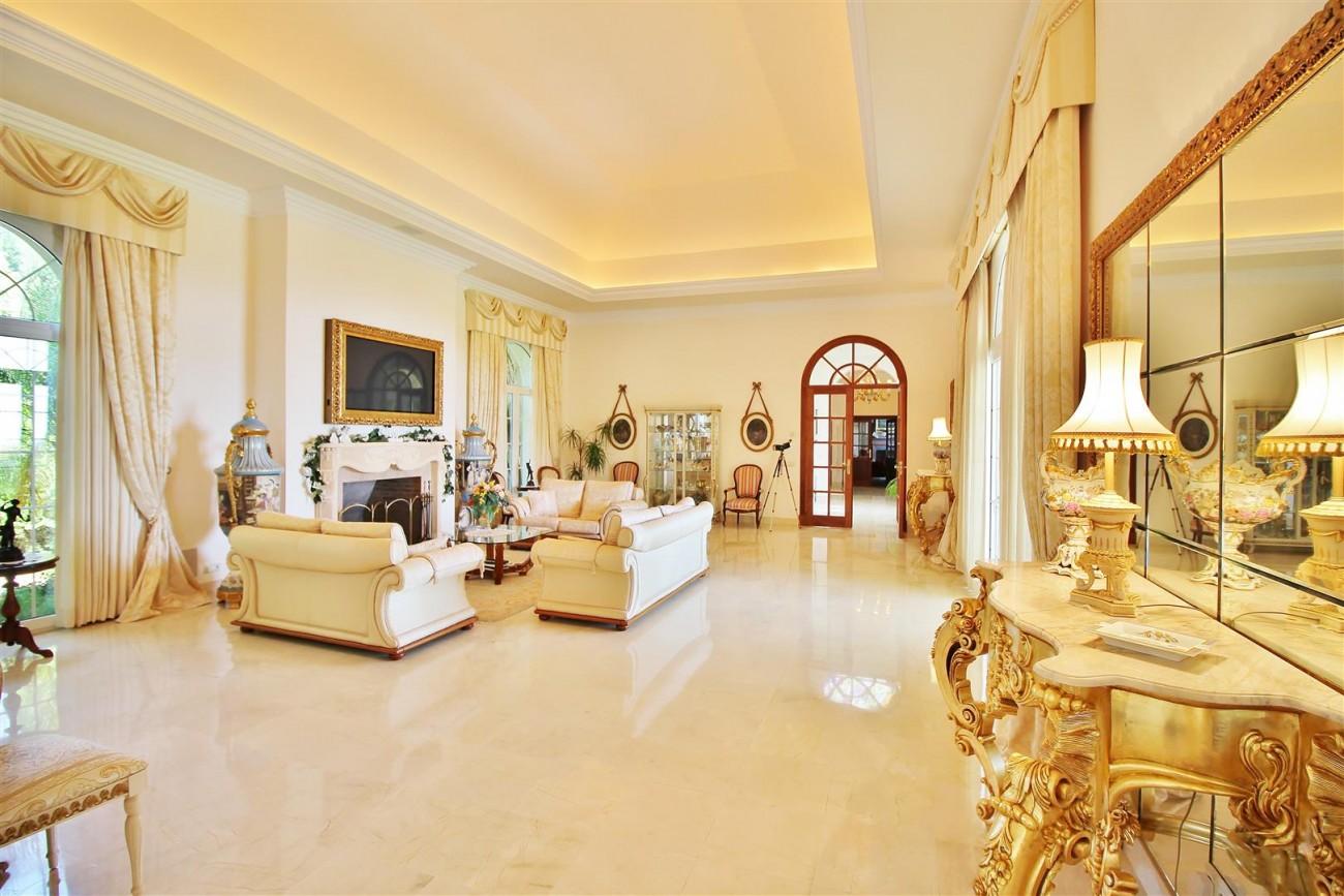 Luxury villa in Zagaleta Country CLub for rent Benahavis Spain (17) (Large)