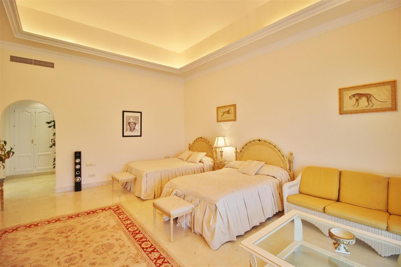 Luxury villa in Zagaleta Country CLub for rent Benahavis Spain (39) (Large)