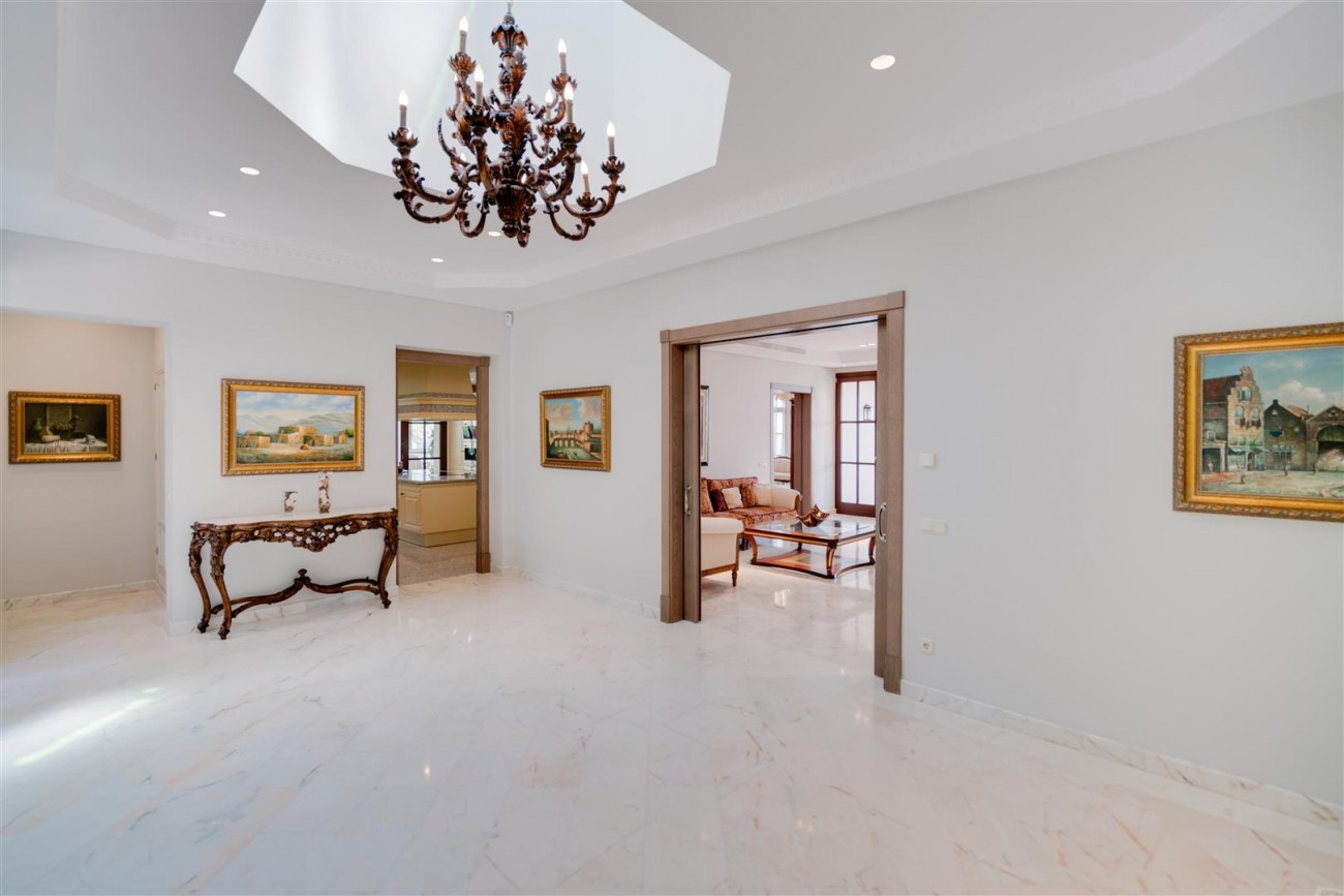 Exclusive villa for sale Sierra Blanca Marbella Spain (16) (Large)
