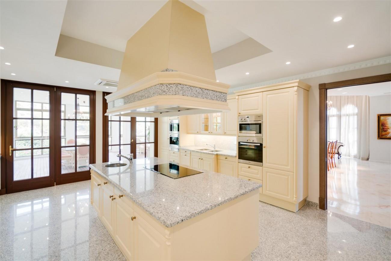 Exclusive villa for sale Sierra Blanca Marbella Spain (18) (Large)