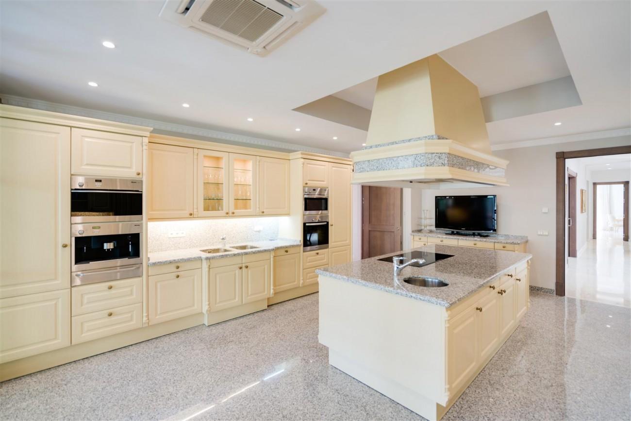 Exclusive villa for sale Sierra Blanca Marbella Spain (19) (Large)