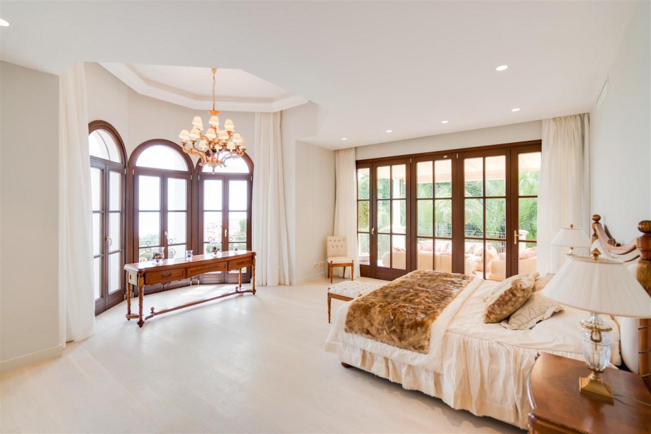 Exclusive villa for sale Sierra Blanca Marbella Spain (26) (Large)