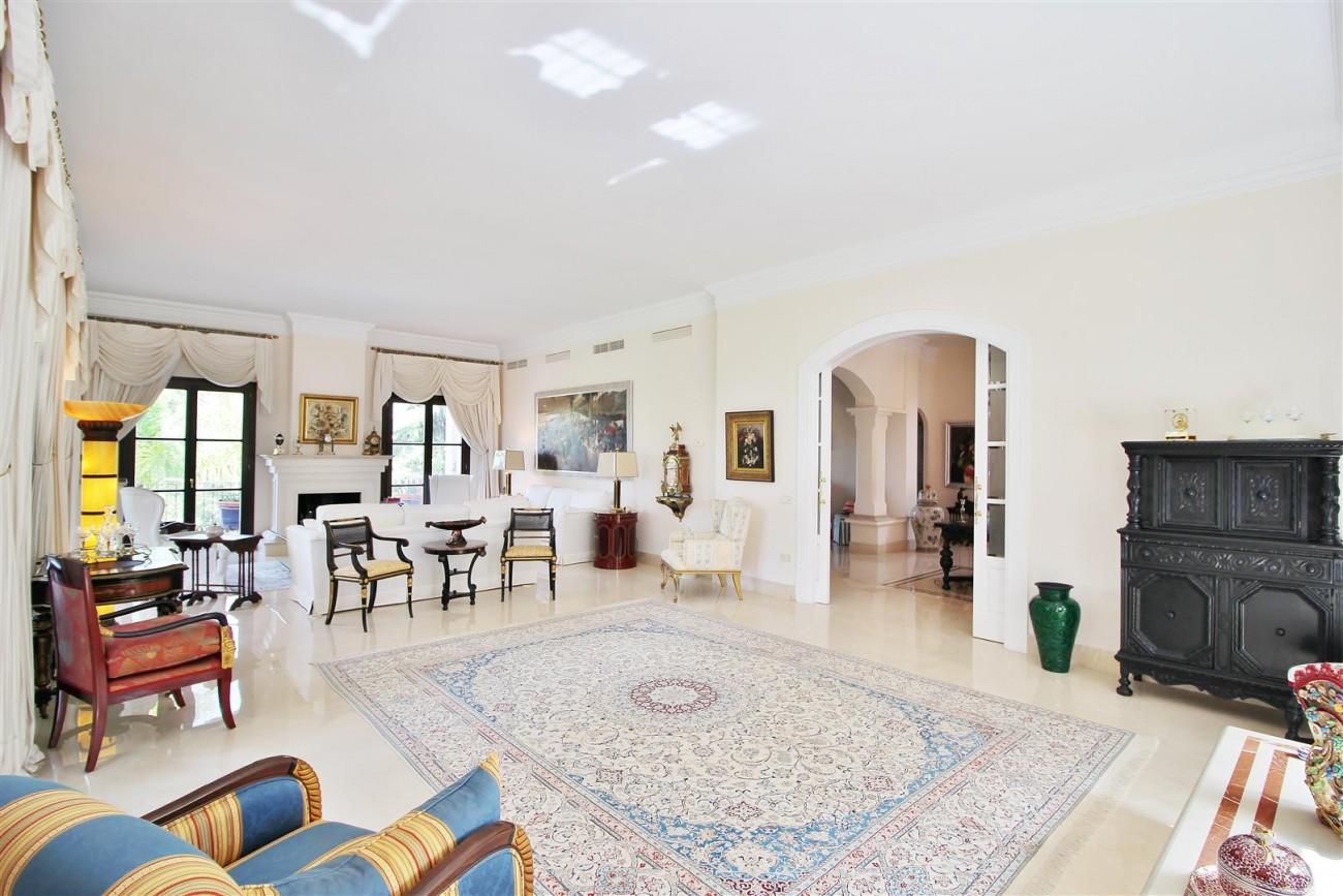 Luxury Frontline Villa for sale  Marbella East (1) (Large)