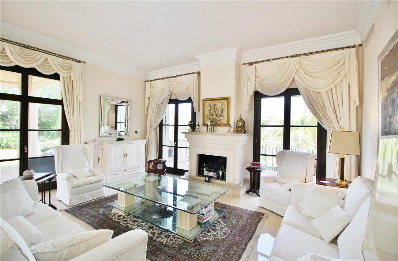 Luxury Frontline Villa for sale  Marbella East (4) (Large)
