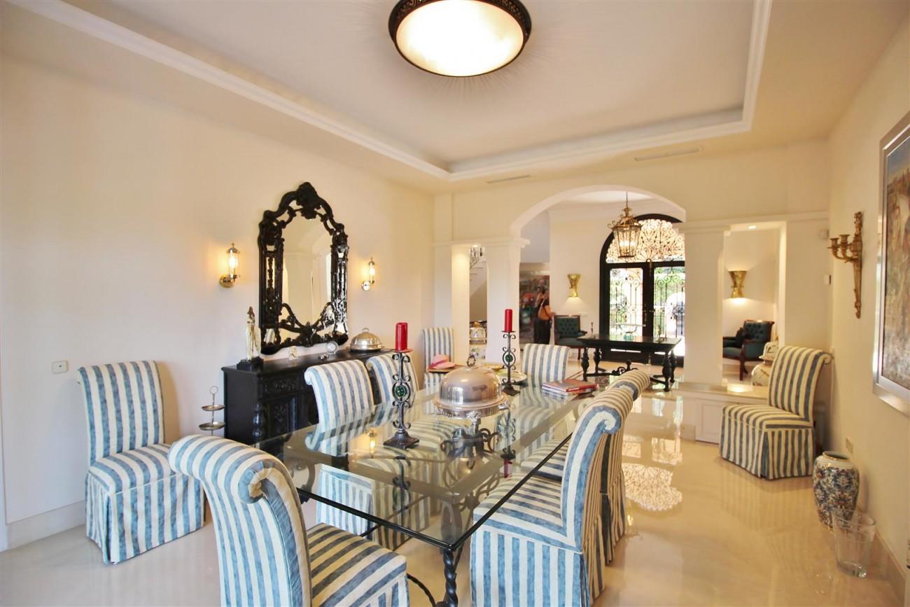 Luxury Frontline Villa for sale  Marbella East (9) (Large)