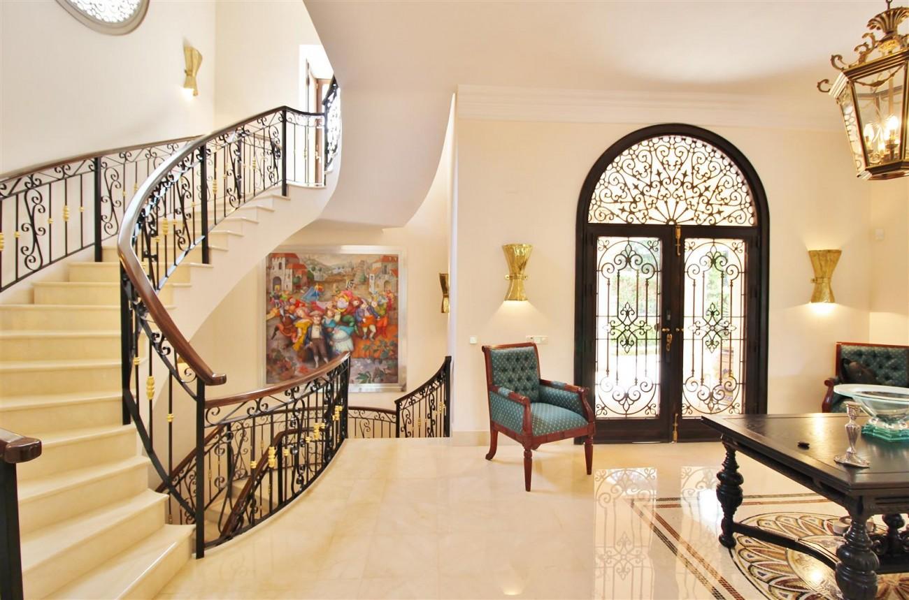 Luxury Frontline Villa for sale  Marbella East (13) (Large)