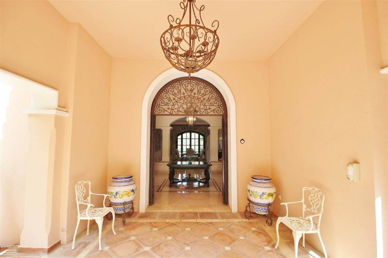 Luxury Frontline Villa for sale  Marbella East (19) (Large)