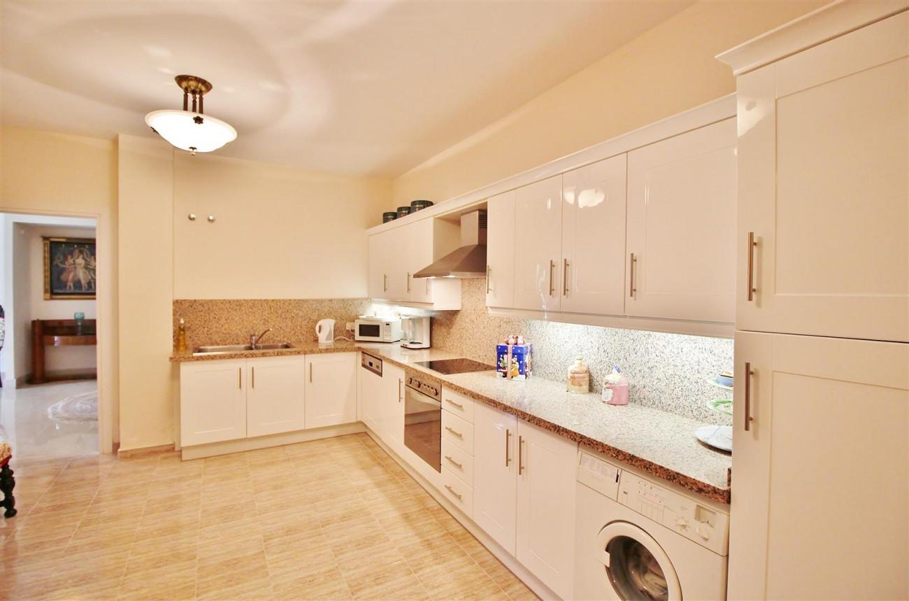Luxury Frontline Villa for sale  Marbella East (27) (Large)