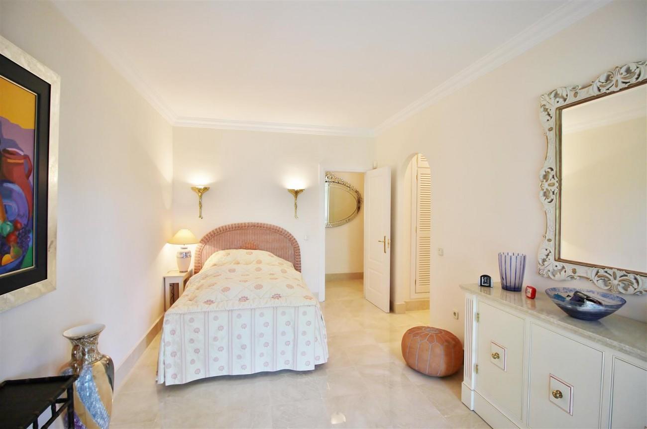 Luxury Frontline Villa for sale  Marbella East (29) (Large)