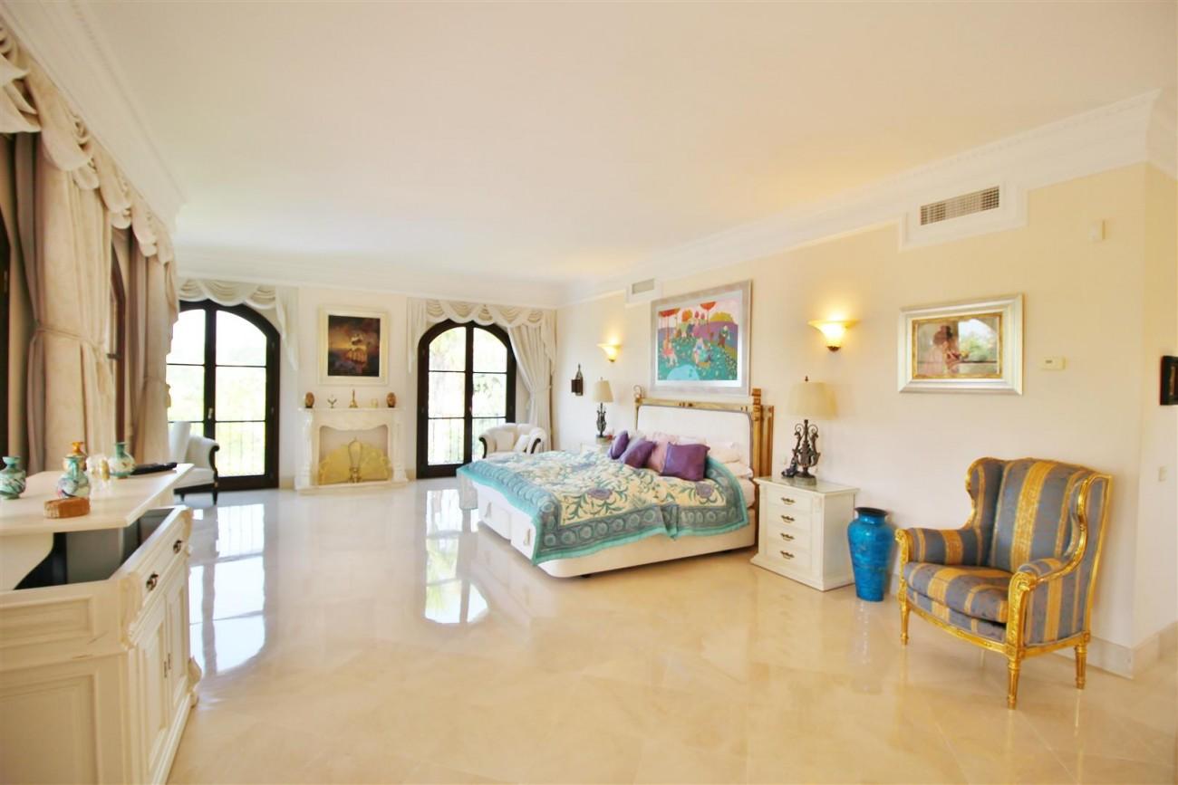 Luxury Frontline Villa for sale  Marbella East (35) (Large)