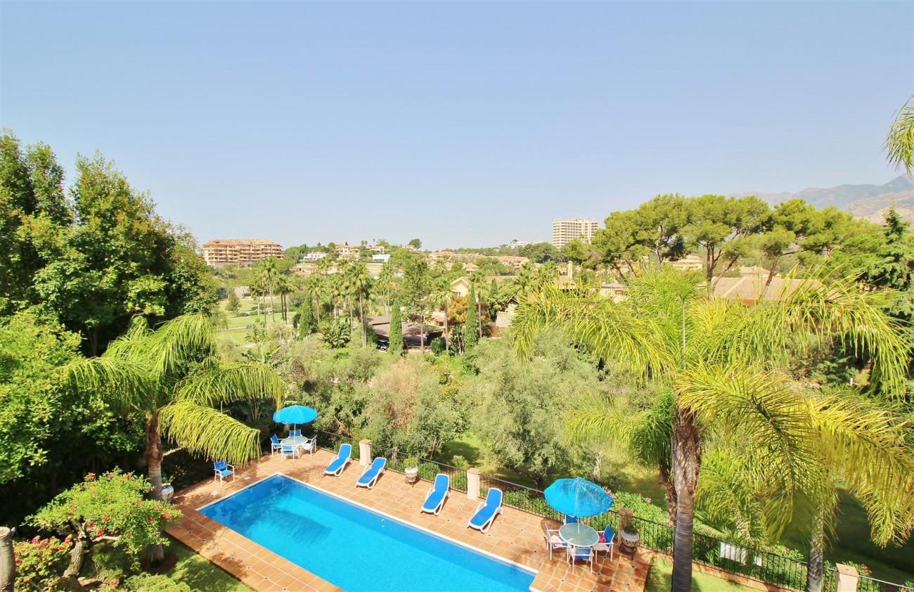 Luxury Frontline Villa for sale  Marbella East (37) (Large)