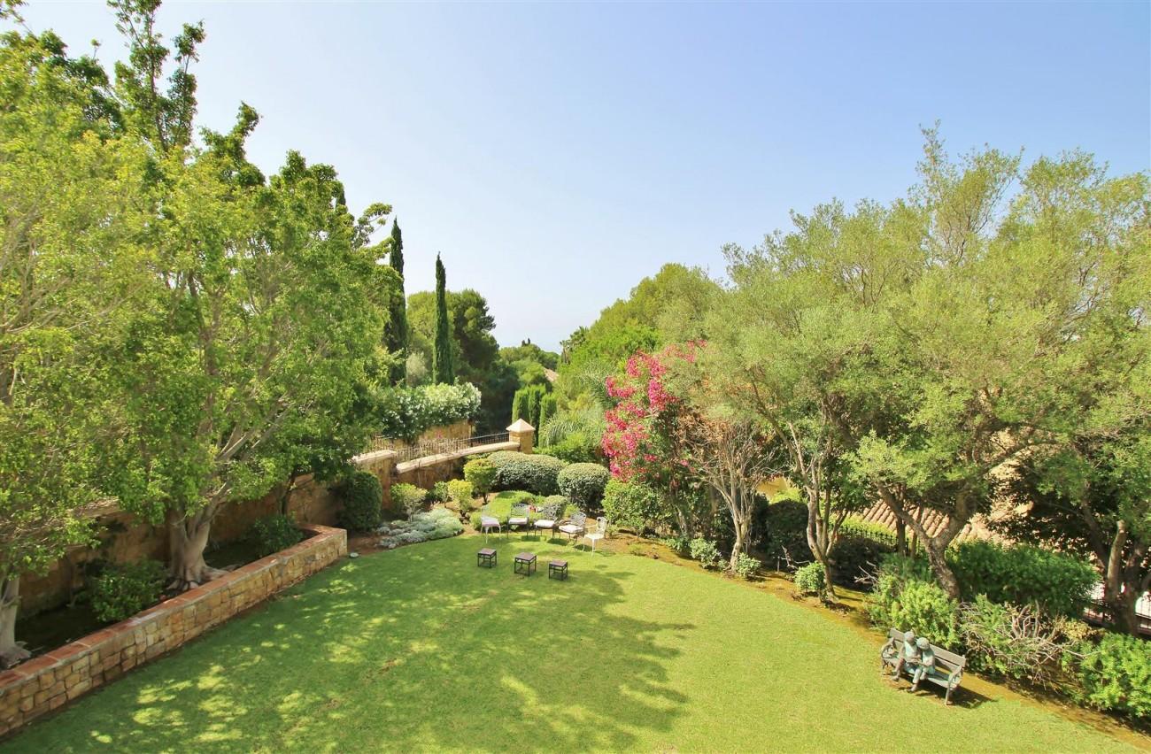 Luxury Frontline Villa for sale  Marbella East (38) (Large)
