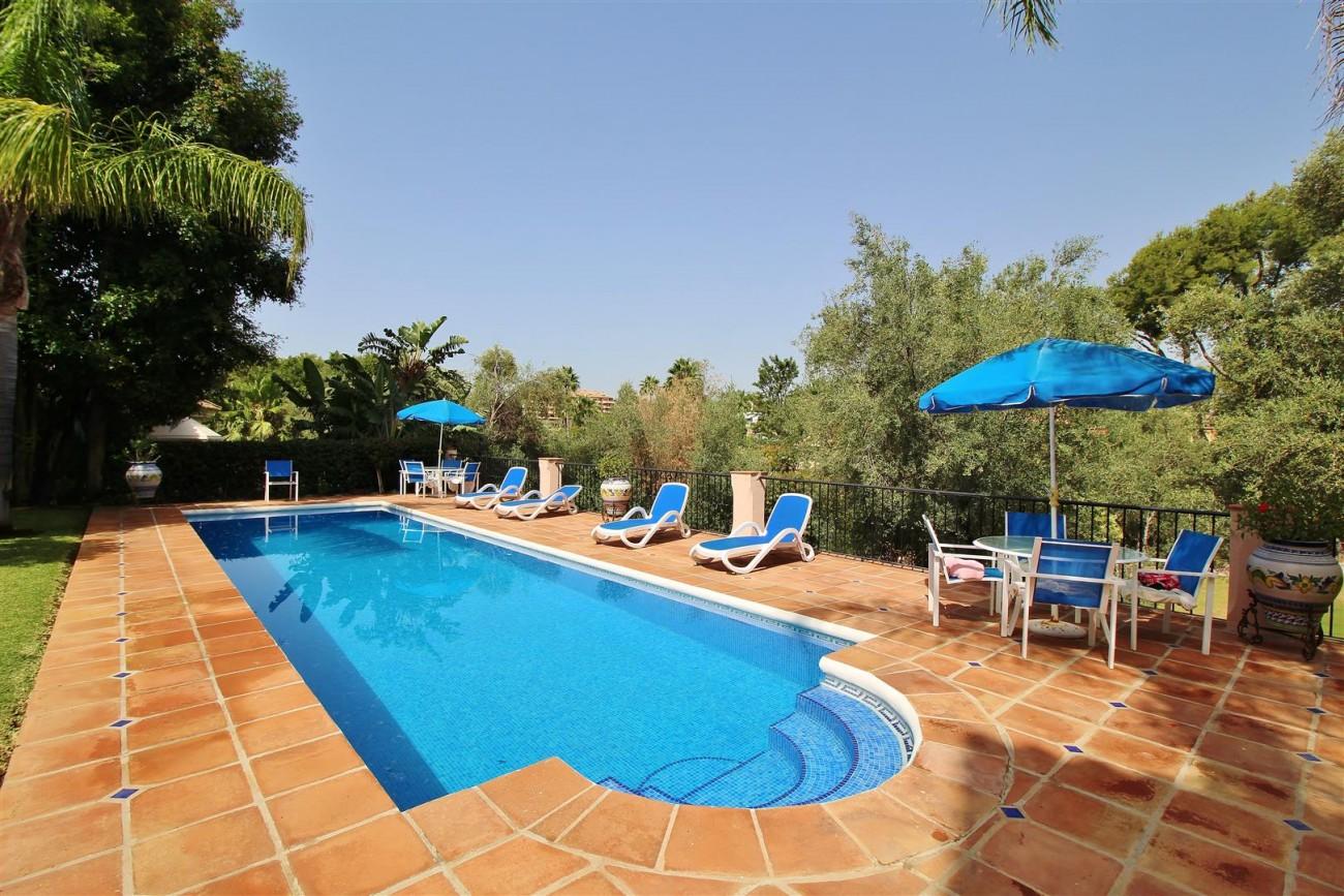 Luxury Frontline Villa for sale  Marbella East (50) (Large)