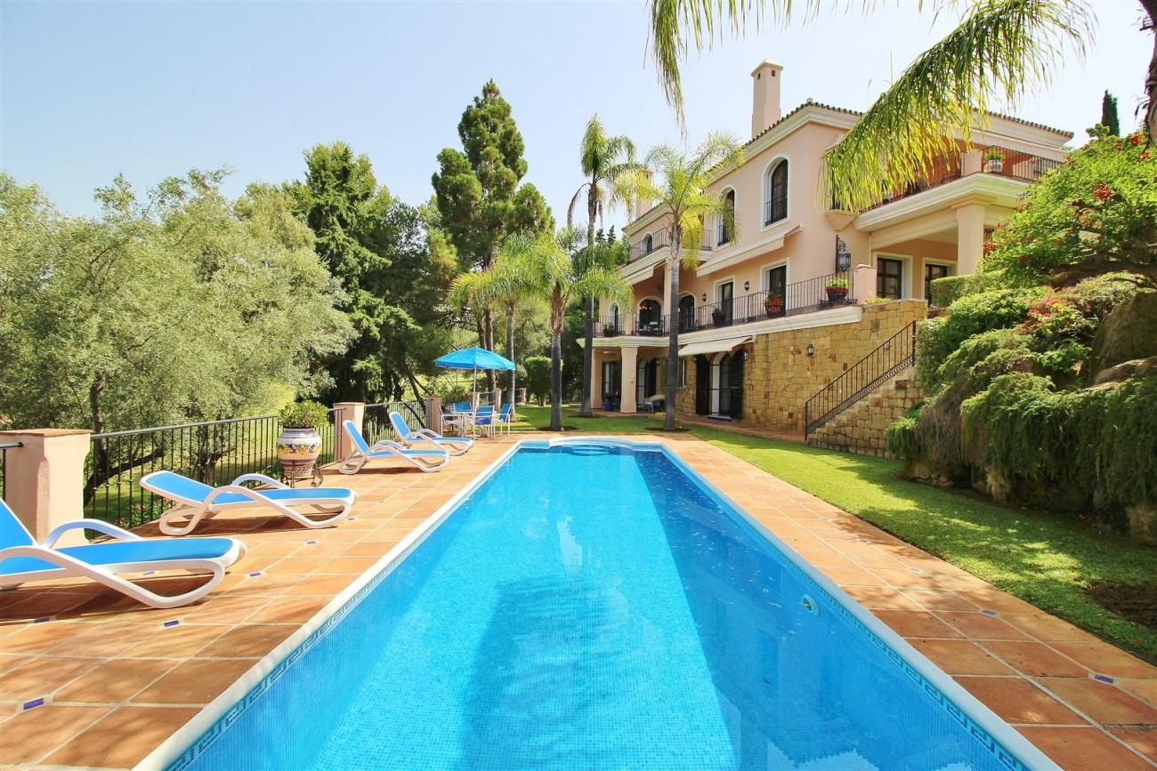 Luxury Frontline Villa for sale  Marbella East (52) (Large)