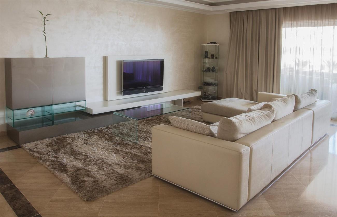 Luxury 2 bedrooms Apartment for sale Puerto Banus Marbella Spain (1) (Large)