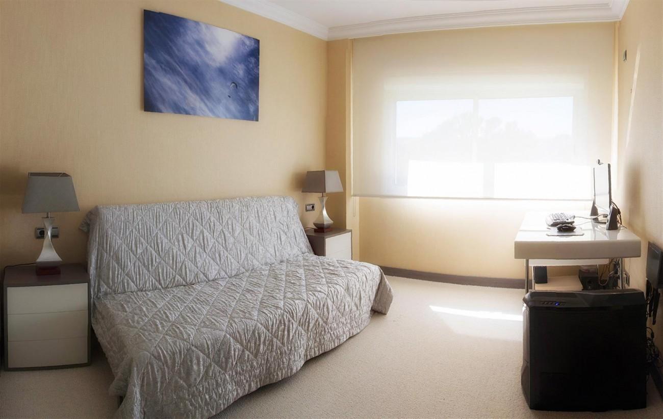 Luxury 2 bedrooms Apartment for sale Puerto Banus Marbella Spain (8) (Large)