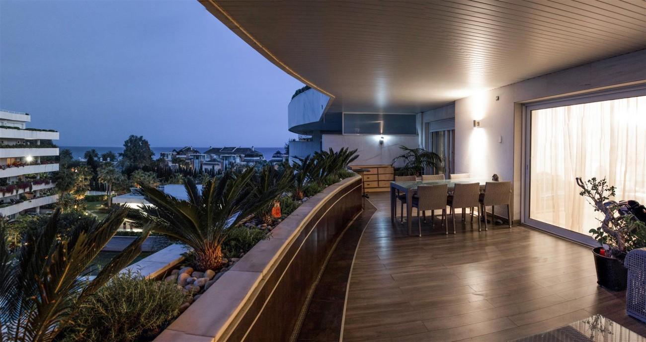 Luxury 2 bedrooms Apartment for sale Puerto Banus Marbella Spain (9) (Large)