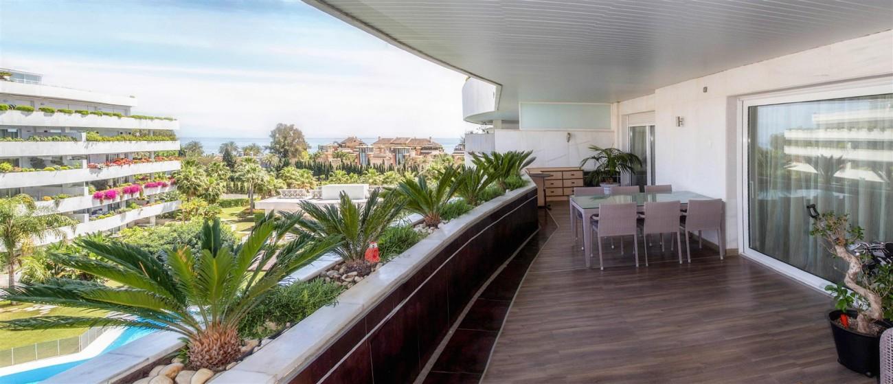Luxury 2 bedrooms Apartment for sale Puerto Banus Marbella Spain (10) (Large)