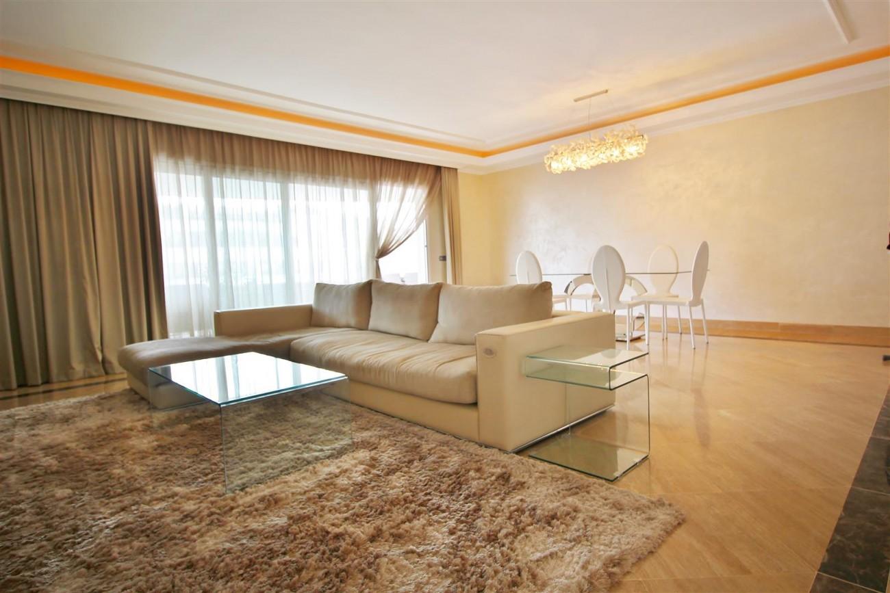 Luxury 2 Beds apartment for sale Puerto Banus Marbella Spain (2) (Large)