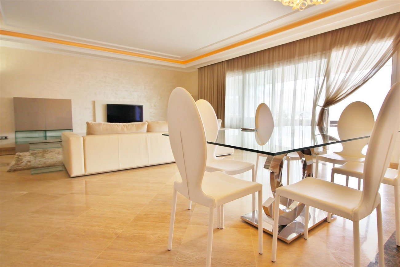 Luxury 2 Beds apartment for sale Puerto Banus Marbella Spain (4) (Large)