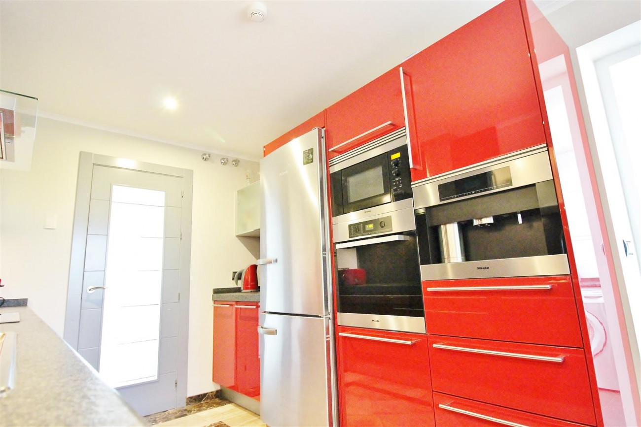 Luxury 2 Beds apartment for sale Puerto Banus Marbella Spain (7) (Large)