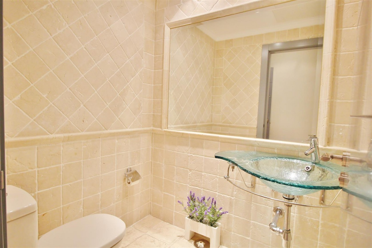 Luxury 2 Beds apartment for sale Puerto Banus Marbella Spain (8) (Large)